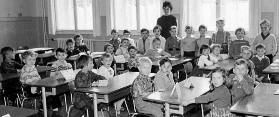 Erste klasse bahnhofsschule hildesheim 1960 300dpi